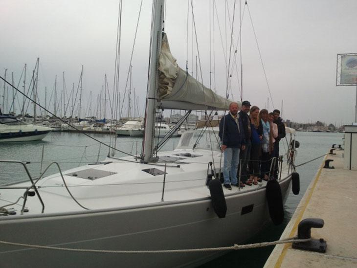Un paseo en barco por el Mar Mediterráneo